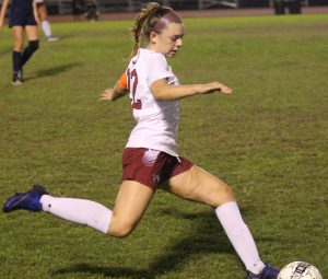 Hannah Donato prepares to pass to a teammate.