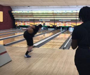 [Brief] Men's bowling team falls to Coral Springs High School