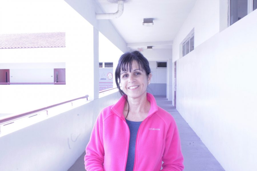 Psychology teacher shares her story from Feb. 14. Photo by Einav Cohen