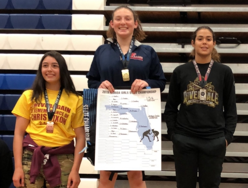 Wrestling+captain+Sara+Ochoa+ranked+first+in+state+after+national+wrestling+tournament