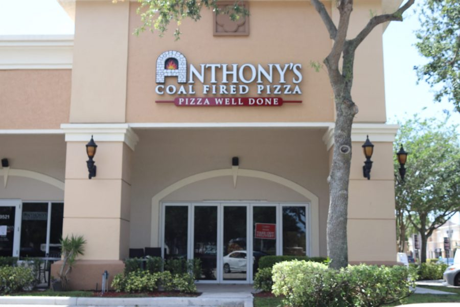 Anthony%27s+Coal+Fired+Pizza+is+one+of+many+restaurants+that+is+participating+in+delivery+and+pick-up+orders.+Photo+by+Fenthon+Aristhomene