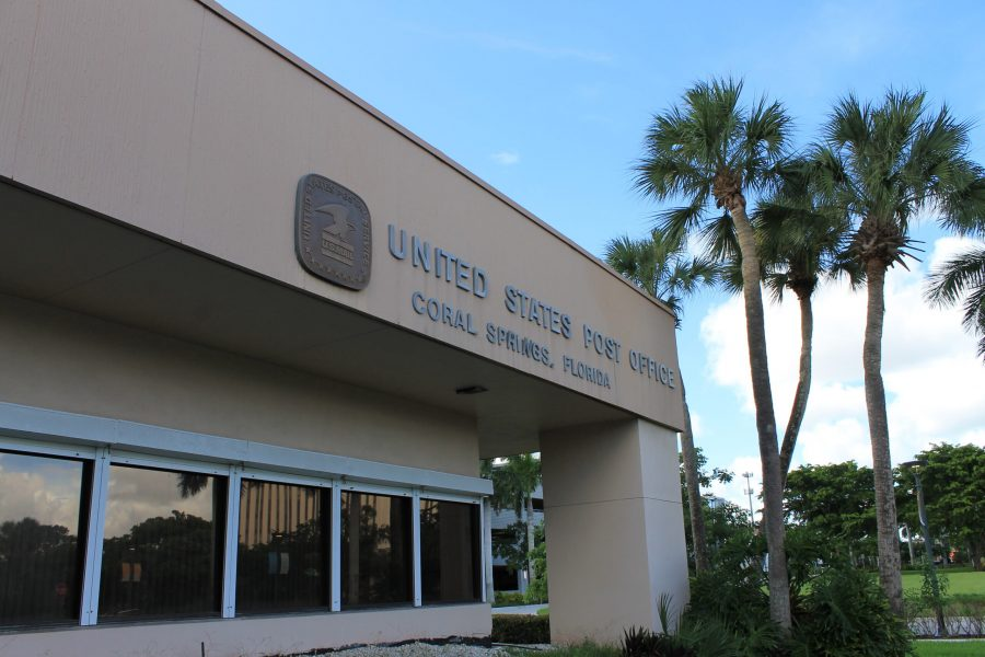 The outside of the United States Postal Office located in Coral Springs, Florida.