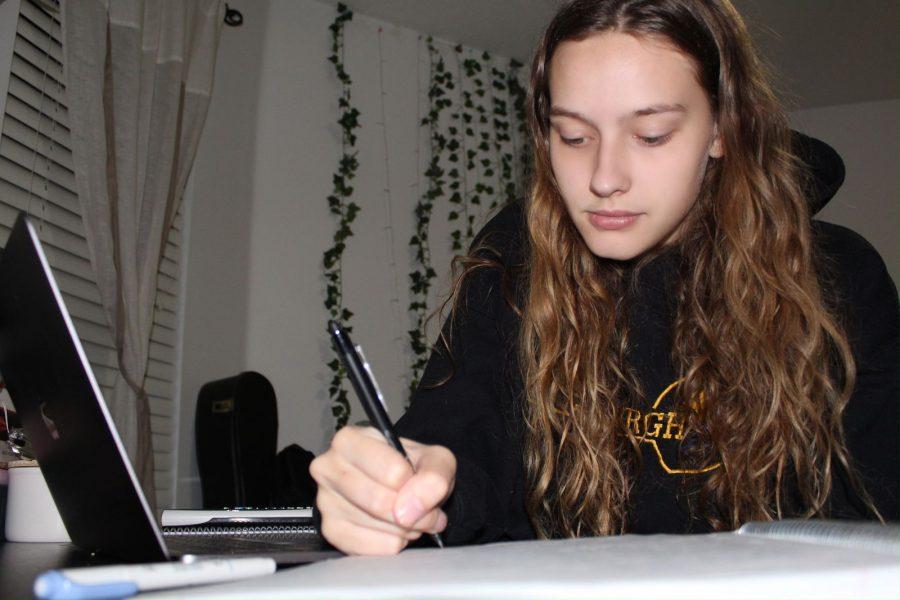 Senior Brianna Jesionowski completing her schoolwork