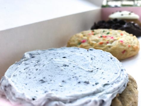 New flavors released at Crumbl! Exciting new flavors just in time for the fall season. Along with the Aggie Blue Mint, Double Fudge Brownie, Funfetti, and Pumpkin Cake, the two consistent flavors Milk Chocolate Chip and Classic Sugar.