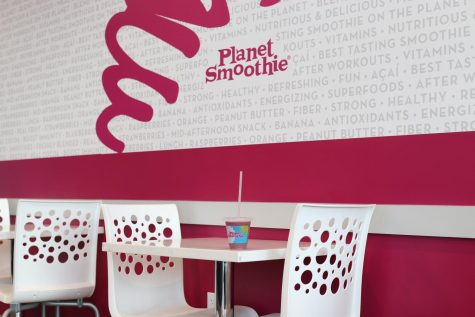 Planet smoothie offers a covid safe experience with inside and outdoor seating with kind employees who care about your preferences and smoothie needs.